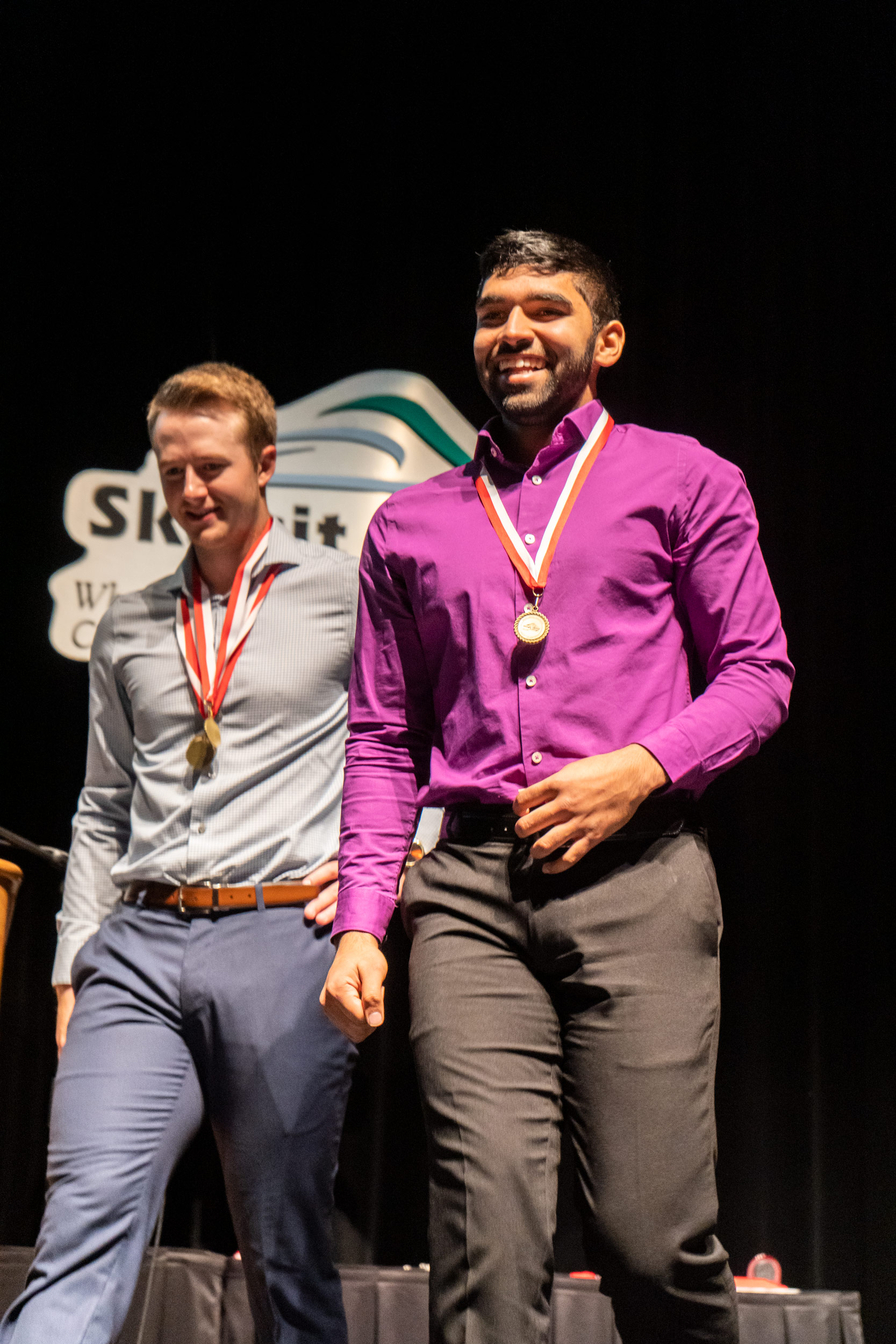 img_mv-honors_daniel-on-stage_7369_1667x25