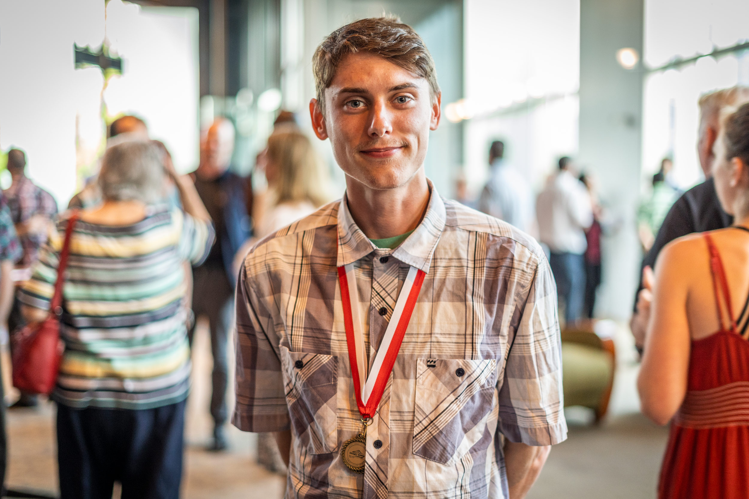 img_mv-honors_male-recipient_7619_25x1667