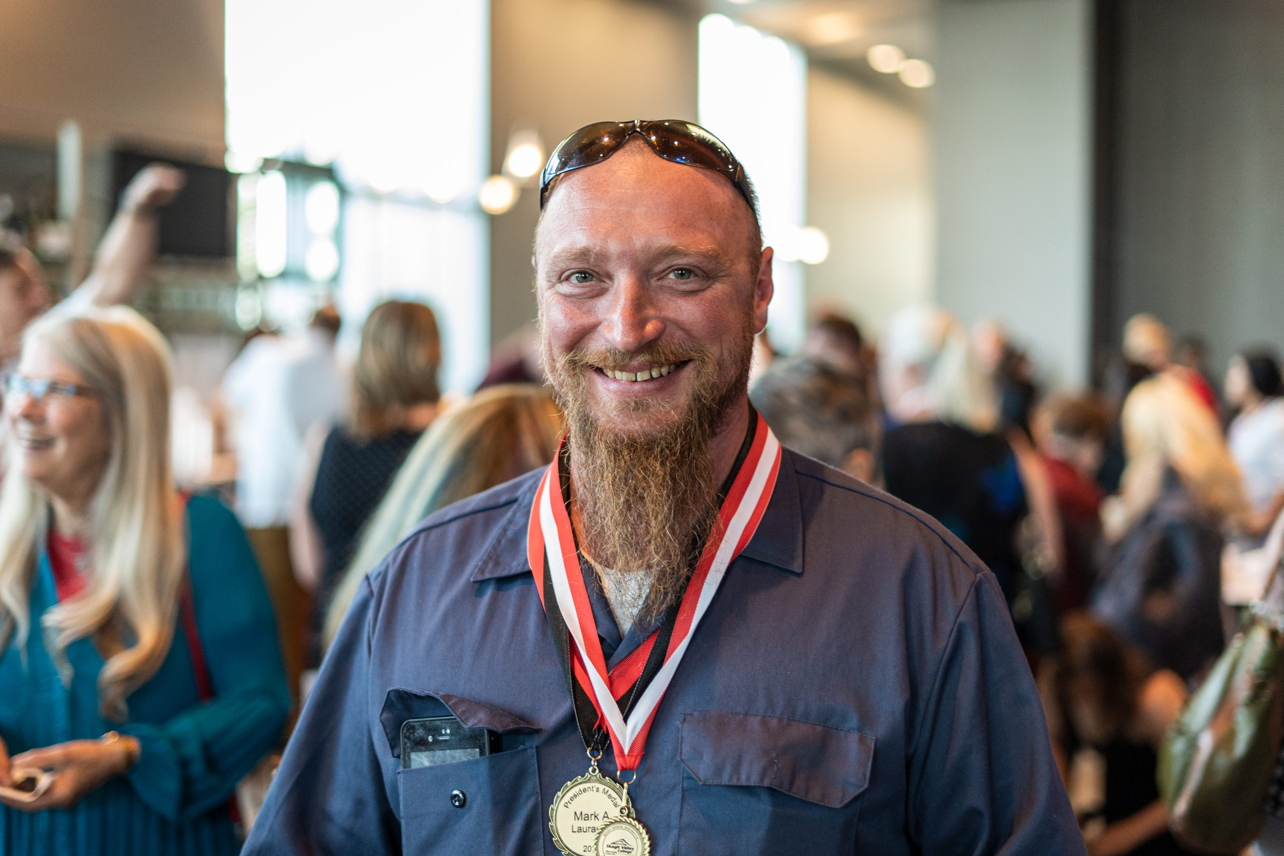 img_mv-honors_mark-l_7636_25x1667