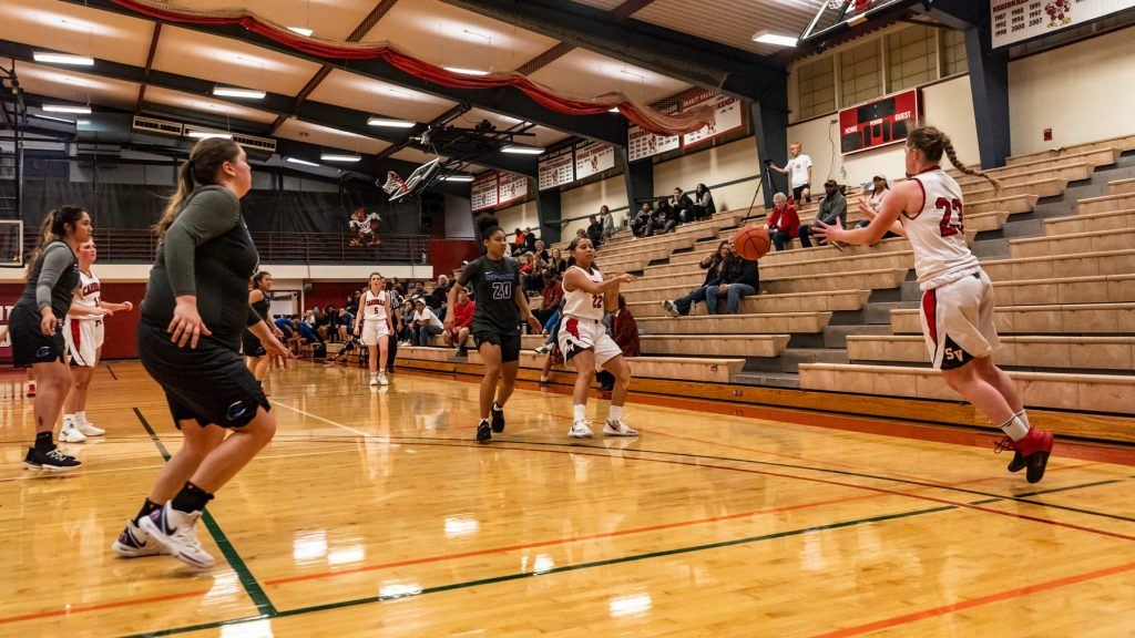 Skagit Valley College Cardinals basketball team in action against South Puget Sound Clippers